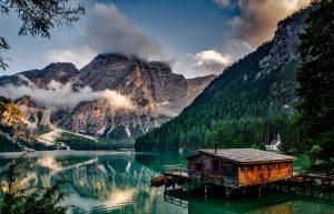 אגם מדהים